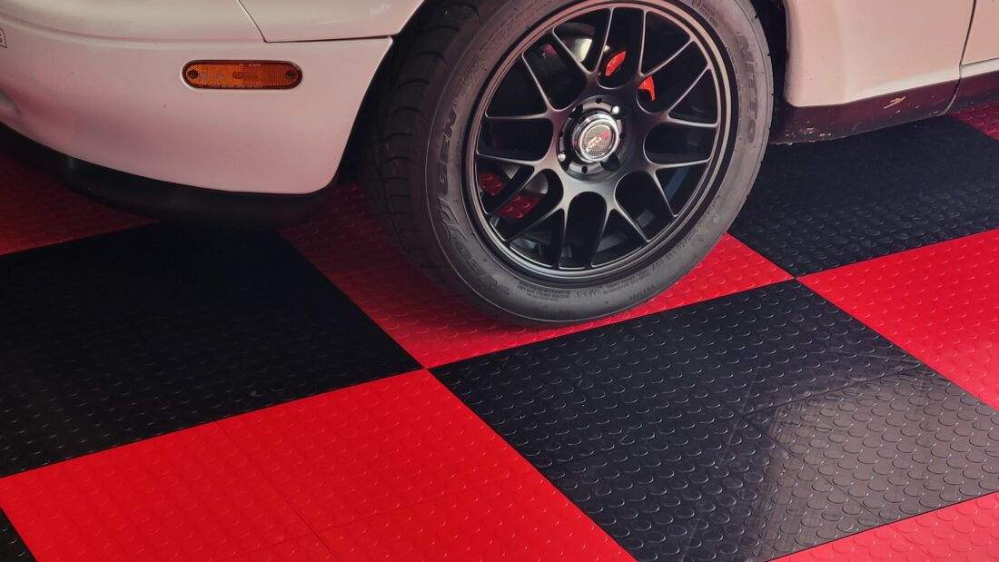 Wheel on Red and Black TrueLock HD Coin tiles