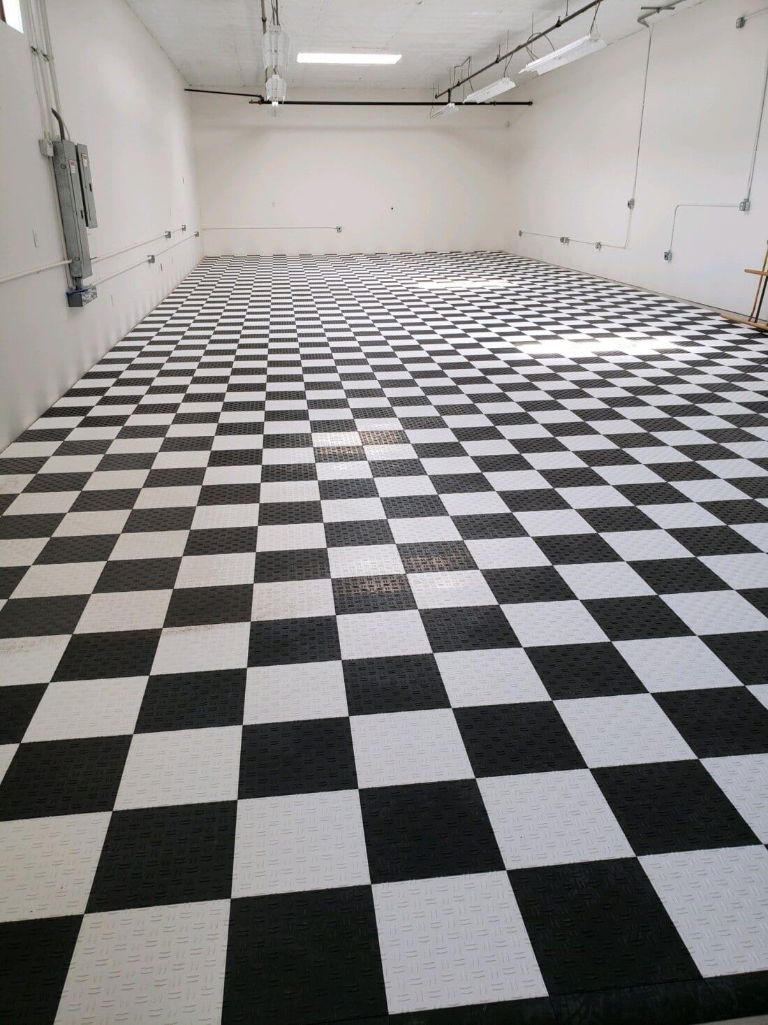 Checkerboard Diamond Pattern Tiles