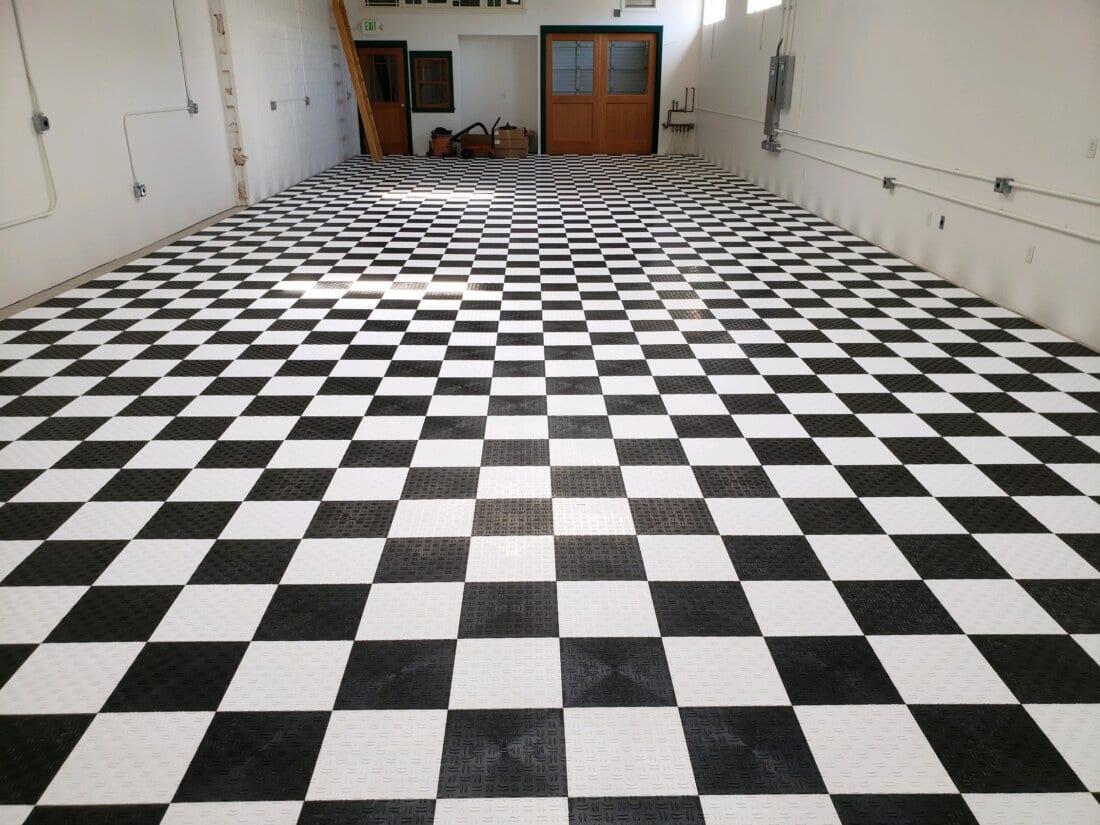 Black and White TrueLock HD Diamond Tiles