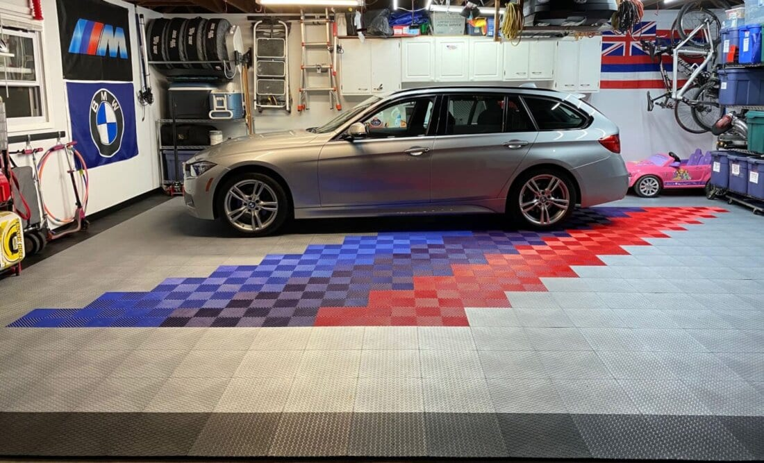 Rainbow Ribbed Tiles and Silver Small Coin tiles