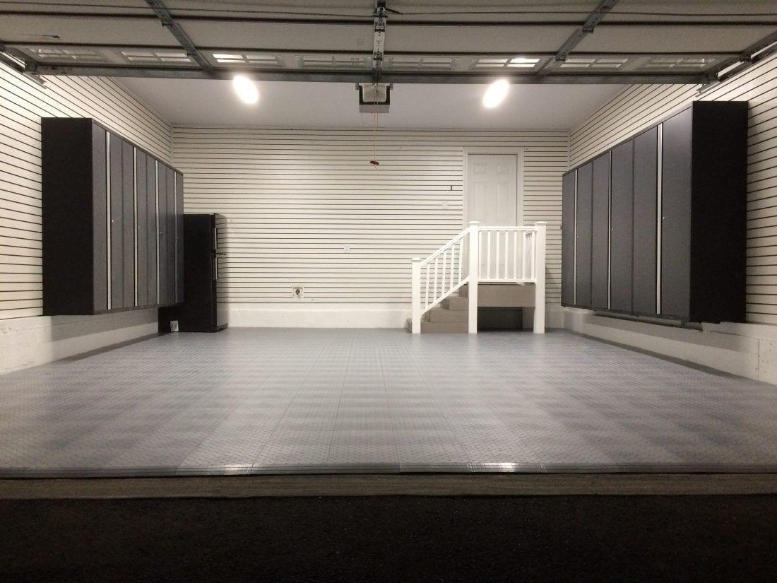 garage floorting tile in Mike's Garage