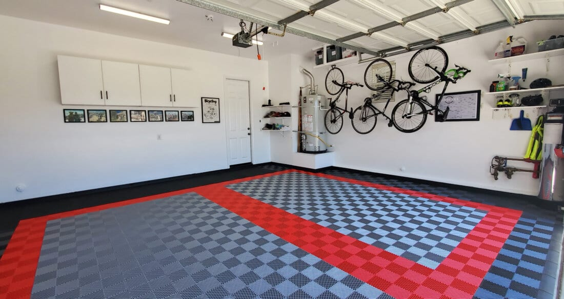Ribbed tile garage in black, silver, and red
