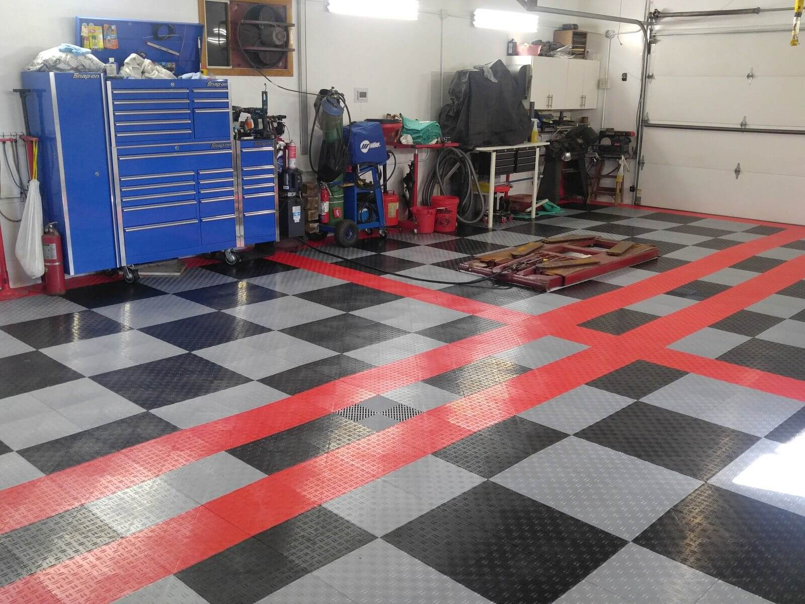 garage floor tiles with tool boxes