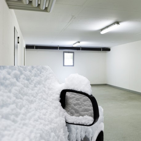 snow-covered-car-900
